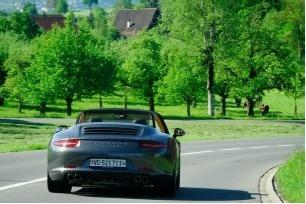 Pour leur autotour en Allemagne, les voyageurs ont le choix entre une Lamborghini Gallardo, une Ferrari 485 Spider et une Porsche Carrera 911 - Photo DR