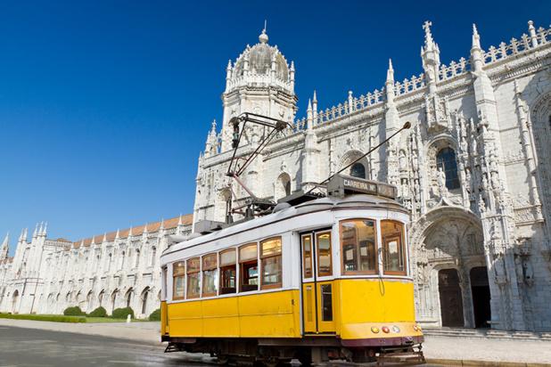 """La quarantaine """"prophylactique"""" sera obligatoire dès le 31 mars 2021 pour les voyageurs français souhaitant se rendre au Portugal - Depositphotos"""