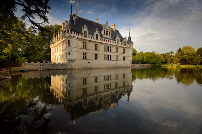 © Léonard de Serres/ CMN - Façades du château d'Azay-le-Rideau