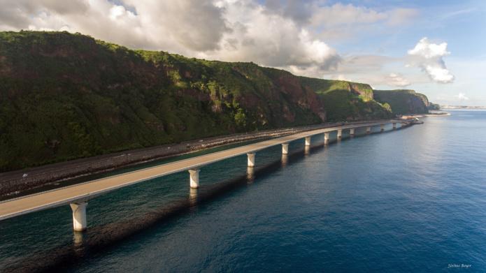 La Réunion : livraison du second viaduc de la Nouvelle Route du Littoral