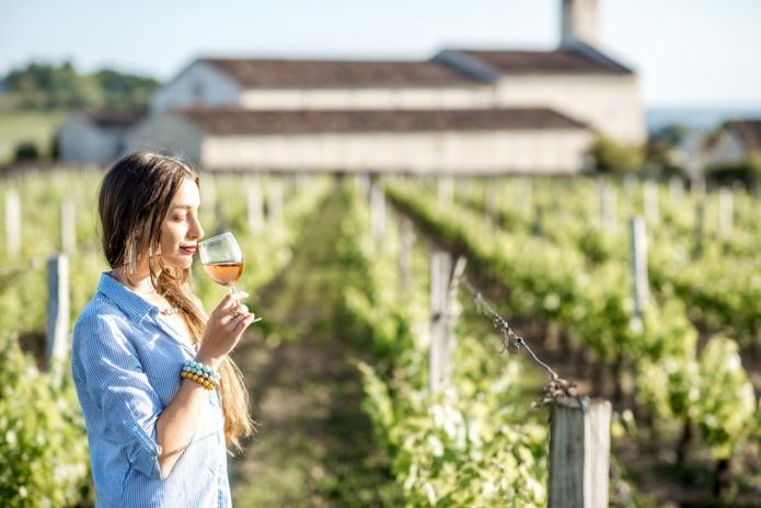 En option, Golden Tour propose la réalisation d'assemblage de cépages au cœur d'un domaine viticole prodigieux. - DR : Golden Tour