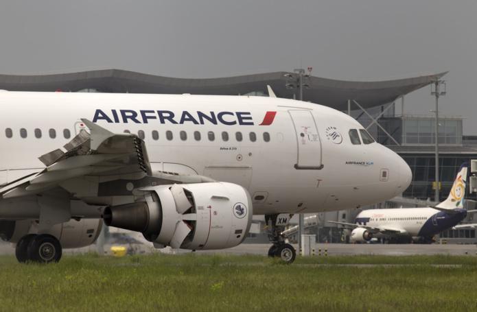 Empêtrée dans ses problématiques socio-syndicales, dans ses rachats hasardeux (Hop!) et dans ses initiatives (Joon) malheureuses pour concurrencer ses challengers, Air France n'a pas su (pu ?) prendre le virage du low cost. /crédit DepositPhoto
