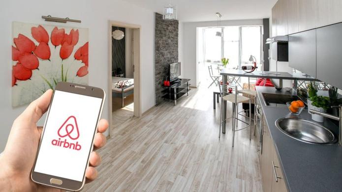L'emprise d'une entreprise comme Airbnb souligne les inégalités criantes dans les villes. Pixabay, CC BY-SA