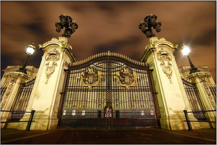 Le Château de Versailles prend une triste médaille en chocolat au niveau mondial, alors que Buckingham Palace triomphe - Crédit photo : Depositphotos @Imagecom