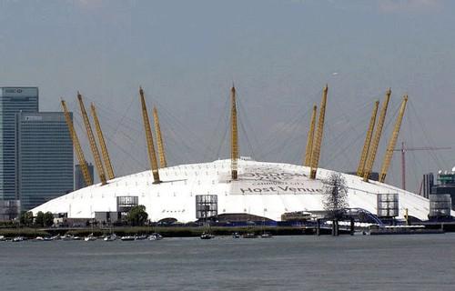 L'ancien dôme du Millennium, transformé en immense salle de concert et d'événements sportifs, réouvre cette année sous le nom de The O2