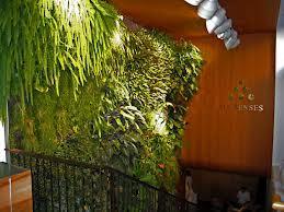 Le mur de forêt tropicale symbolise l'oxygène. © DR Six Senses