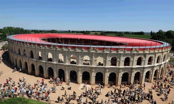 Le Puy du Fou, célèbre pour ses spectacles va également inaugurer son quatrième hôtel en 2014, sur le thème de la Renaissance - Photo Puy du Fou