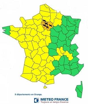 Météo France met en garde contre des passages orageux et des chutes de grêle en Île de France - Météo France