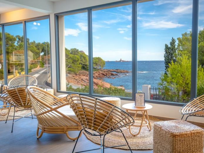 """Les établissements SOWELL proposent, depuis 1985, un type d'hôtellerie """"lifestyle"""" pour les vacanciers - DR : Nico Gomez - SOWELL HÔTELS La Plage, Saint Raphael"""