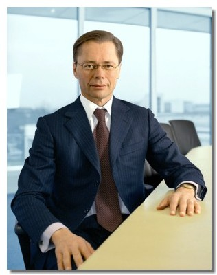 Thomas Middelhoff, actuellement administrateur délégué de Karstadt Quelle sera le nouvel homme fort de Thomas Cook