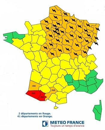 Météo France place 39 départements du Nord-Est en vigilance orange aux orages, et 4 autres autres en rouge et orange dans le Sud-Ouest pour les crues - Météo France