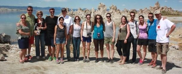 de g. à d.: Karine Guillemot-EURAM, Tony Lyle-Lake Tahoe Visitors Authority , Murielle Nouchy-Visit California, Geoffrey Duval-JET SET VOYAGES, Béatrice Truong Vinh Tonh-HERTZ, Thierry Maillet-LA FRANCAISE DES CIRCUITS, Sophie Leboucher-Visit California, Jennifer Auvry-BACKROADS, Vanessa Laîné-JET SET VOYAGES, Lise Le Pendeven-LA MAISON DES ETATS UNIS, Nelly Gaullier-DIRECTOURS, Loïc Cornu-VOYAMAR, Sihame Haddane-Visit California, Arnaud Rolland-SKI INFO, Olivier Thery-USHUAIA VOYAGE & Jacky Tendron-Savoir Faire Production - Photo DR