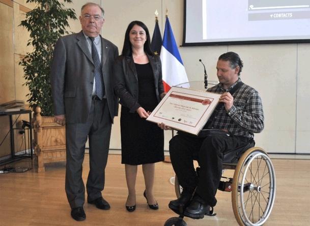 Le parc Régional du Morvan reçoit son prix des mains de Sylvia Pinel, ministre de l'Artisanat, du Commerce, du Tourisme -  Crédit photo DHSimon