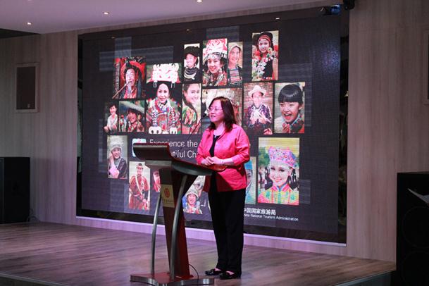 Xue Guifeng, la directrice de l'OT de Chine à Paris, lors d'une soirée à Alfortville, dans les salons de l'hôtel Huatian Chinagora - DR : Interface Tourism