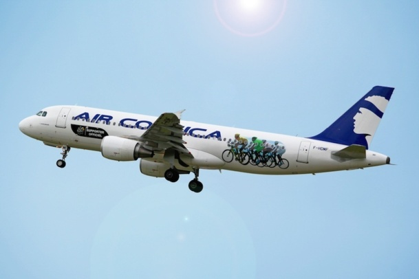 Un Airbus d'Air Corsica aux couleurs du Tour de France. DR