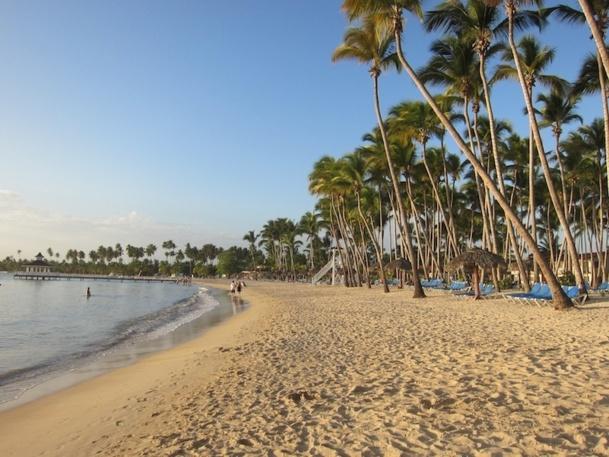 Dans un documentaire diffusé sur Arte en juin dernier, le réalisateur, Denis Delestrac, y prédit la disparition du sable sur les plages d'ici 2100. Autant dire pour demain - DR