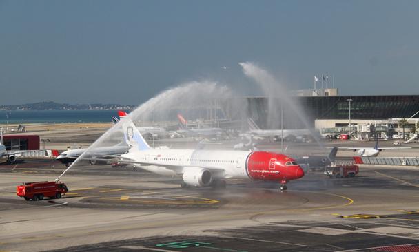 Le Boeing 787 Dreamliner de Norwegian est arrivé à Nice Côte d'Azur samedi 6 juillet 2013 - Photo DR