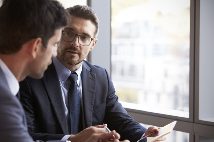L'entretien professionnel est une obligation légale depuis 2014. La date butoir pour les réaliser initialement fixée en 2020, a été décalée par ordonnance au 30 juin 2021. - Depositphotos