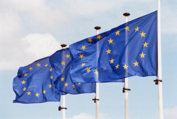 Pour la Commission européenne, les propositions formulées mardi 9 juillet 2013 contribueraient à mieux protéger et informer 120 millions de consommateurs en Europe - Photo UE