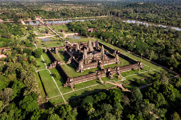 Vue sur Angkor Wat en hélicoptère