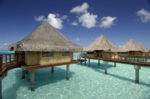 Bora Bora et de Moorea : les hôtels InterContinental offrent la demi-pension