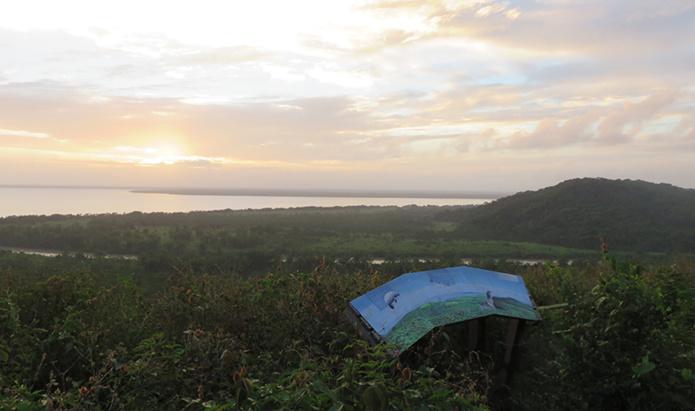© GEK Ouanary_mont de l'Observatoire_A l'aube sur l'Oyapock
