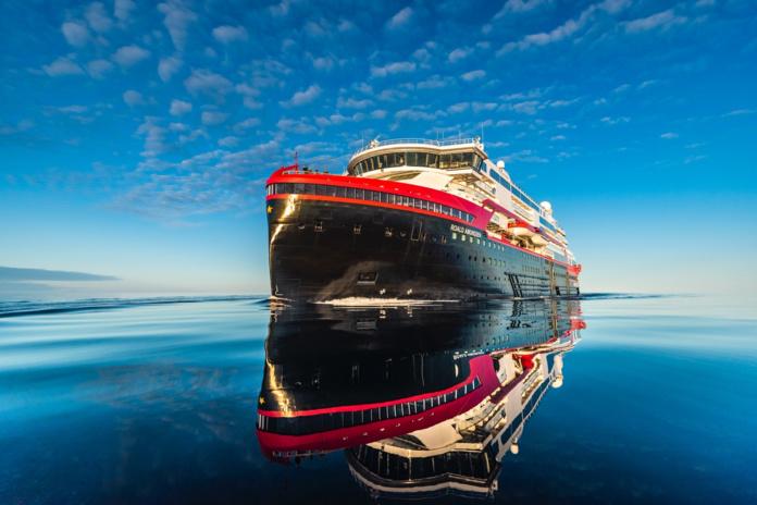 Hurtigruten Expeditions dévoile une croisière d'exploration de 93 jours, d'un Pôle à l'autre - DR : Hurtigruten