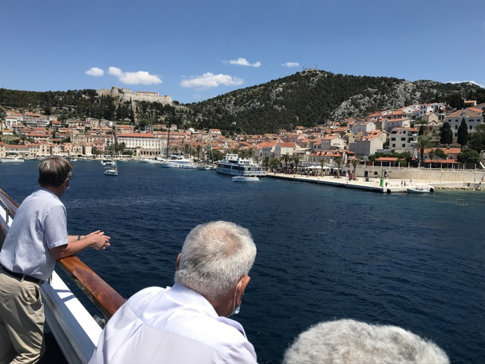 La Belle Adriatique permet une arrivée au coeur des ports et des villages - Photo JLR
