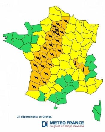 27 départements, du Sud-Ouest à la frontière belge sont placés en vigilance orange aux orages par Météo France jeudi 25 juillet 2013 - DR : Météo France