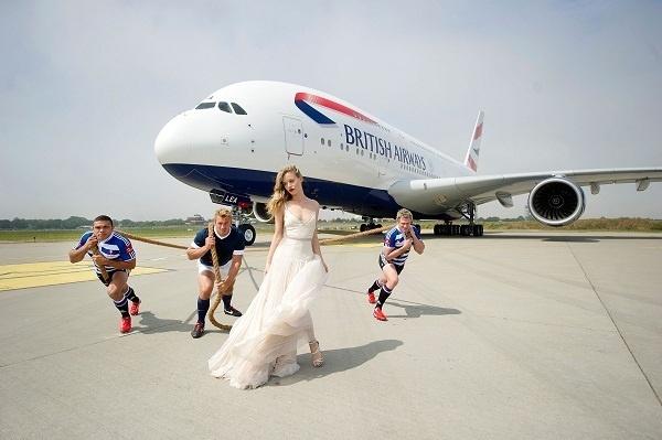Georgia May Jagger, Bryan Habana, Chris Robshaw et Jean de Villiers posent pour annoncer l'ouverture des ventes sur les vols de British Airways entre Londres et Johannesburg - Photo DR
