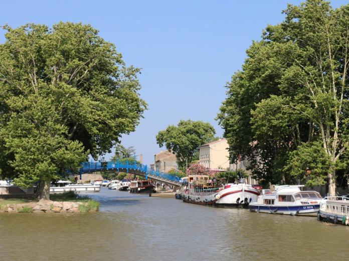 Sur le canal de la Robine et celui du Midi, l'objectif est clair : se couper du monde trois à quatre jours en embarquant sur un bateau de plaisance pour naviguer, sans stress - DR : J.-F.R.