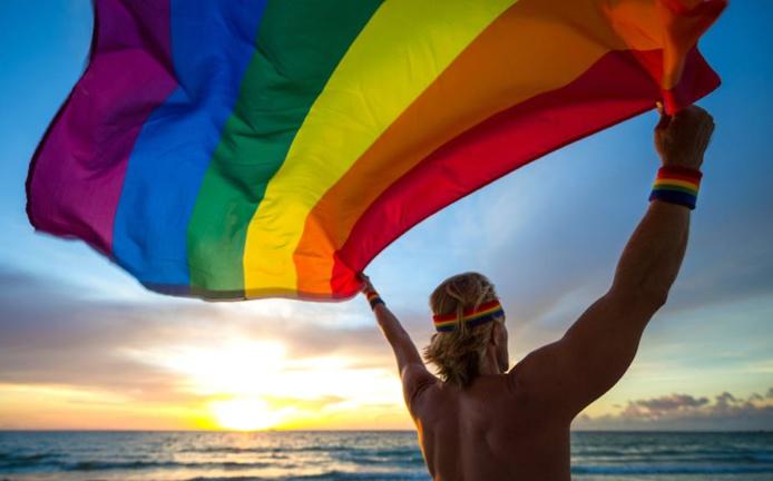 Avant le Covid-19, le marché mondial du tourisme gay générait plus de 218 milliards de dollars américains par an. Shutterstock