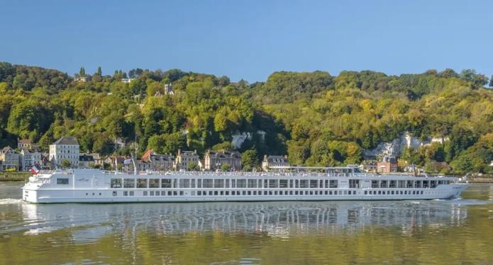 Le MS Renoir, navire de CroisiEurope accueillera Jean-Baptiste Lemoyne, secrétaire d'Etat au tourisme pour donner le coup d'envoi de la reprise de la croisière en France - DR CroisiEurope