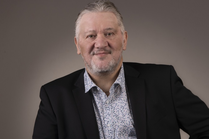 Après une trentaine d'années d'expérience dans le tour-operating, faute de trouver un poste, Bruno Dumoulin est devenu apporteur d'affaires dans l'immobilier - DR : BD