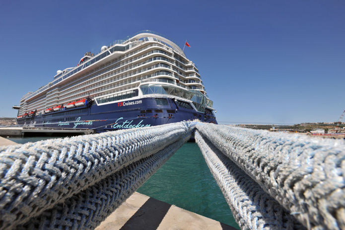 TUI Cruises a programmé la Cité Phocéenne parmi les escales du paquebot Mein Schiff 2 qui a été mis en service en mars 2019 - Photo DR