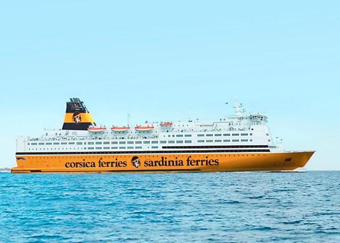 Le Mega Regina assurera des traversées vers la Corse, la Sardaigne et les Baléares. Il pourra accueillir 2 500 passagers avec ses 840 cabines et ses 1 000 mètres linéaires de garage. Il est équipé de filtres à particules et du branchement électrique à quai - DR : Corsica Ferries