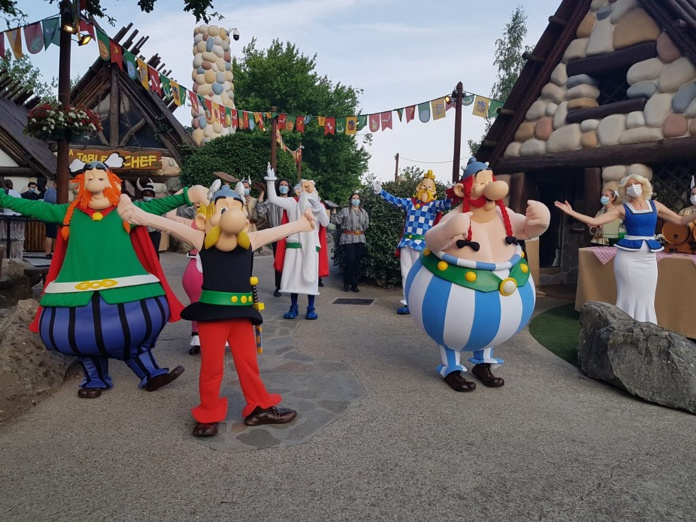 Le Banquet Gaulois, au cœur du Village Gaulois, peut accueillir 200 personnes en plein air, autour d'une assiette de sanglier et d'une bonne cervoise ! - DR : A.B.