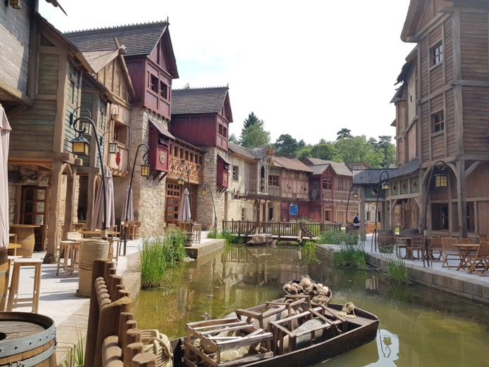 Aux Quais de Lutèce, hôtel 4 étoiles, Le visiteur se retrouve plongé 50 ans avant J.C. au cœur du Lutèce, autour d'une reconstitution de la Seine - DR : A.B.
