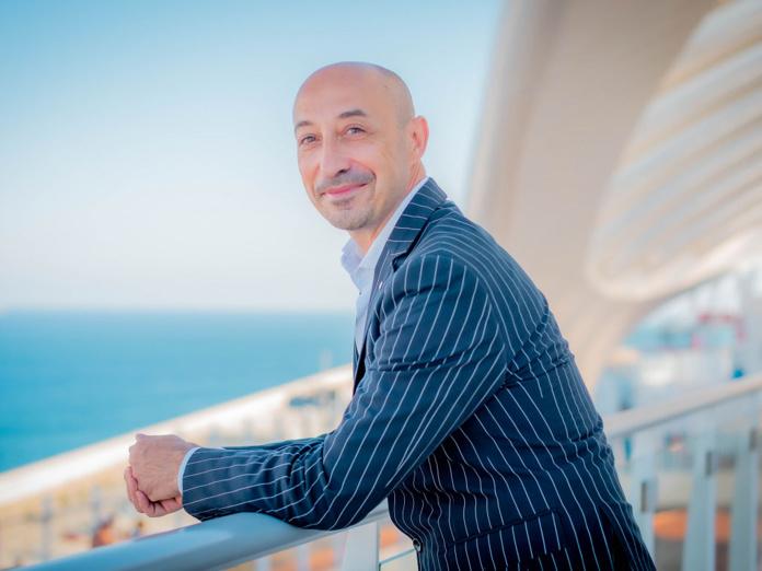 """Raffaele d'Ambrosio (Costa Croisières) : """"Nous avons des compliments sur les services à bord, sur la montée en gamme de la gastronomie, la qualité des spectacles, la fluidité de l'organisation logistique pour les départs en excursions, une grande disponibilité de la part de nos équipages. """" - DR"""