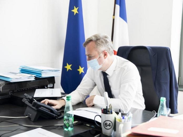 """""""Pour un été 2021 réussi, c'est passe-sanitaire, gestes barrières et crème solaire !  Le troisième temps, c'est celui de la reconquête et de la transformation.  Il sera porté par les acteurs, qui innovent, créent, se réinventent,""""selon Jean-Baptiste Lemoyne, le secrétaire d'Etat en charge du Tourisme"""
