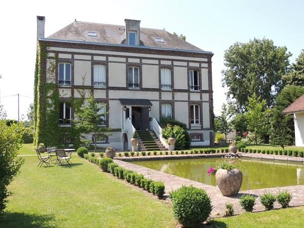 L'Hôtel Golf Parc Robert Hersant compte 20 chambres et accueille une salle de séminaire de 80 m² - Photo DR