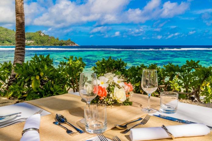 Terrasse avec vue au Kempinski Resort Seychelles (DR Kempinski Resort Seychelles)