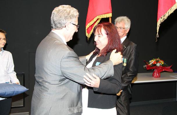Evelyne Berthou, directrice de cabinet du directeur de de l'ENAC reçoit la croix de chevalier de l'Ordre National du Mérite - DR