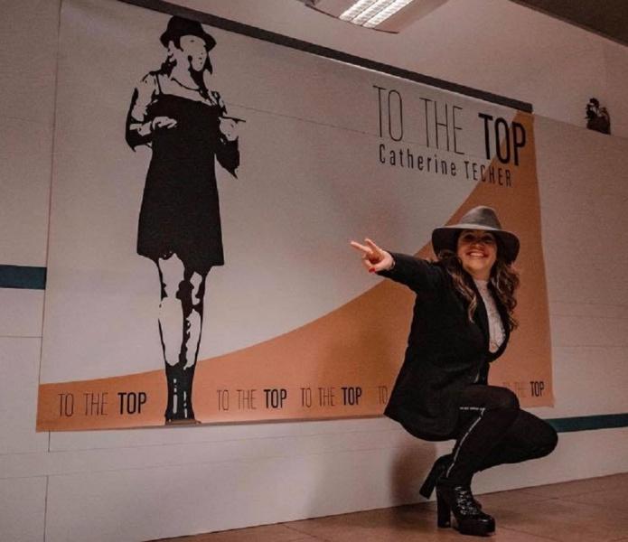 Catherine Techer se présente comme la National Manager de MWR Life et la dirigeante de la société To The Top - DR : Page Facebook To The Top Catherine Techer