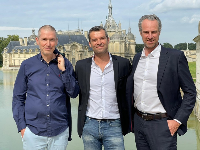 Jean Eustache (AmériGo), Grégory Gueugnon (AmériGo et Asia) et Guillaume Linton (Asia) officialisent le rapprochement entre les deux tour-opérateurs Amérigo et Asia - DR