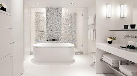 Une dizaine de suites a été équipée de douche-hammam et les hôtes peuvent également bénéficier de traitements bien-être et beauté dans l'intimité de leur chambre. ©DR/Accor