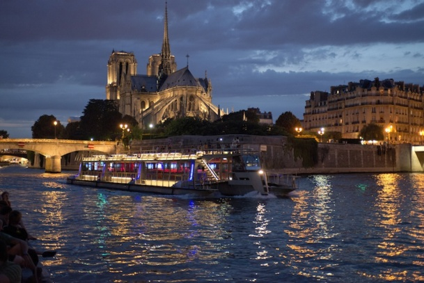 Le trimaran nouvelle génération des Bateaux Parisiens servira de modèle pour moderniser toute la flotte. DR