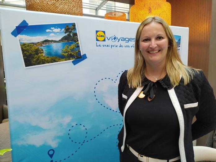 Mélanie Lemarchand, responsable Lidl Voyages, a annoncé le partenariat avec Resaneo et le lancement de la réservation aérienne sur le site de l'agence en ligne, à l'occasion d'une conférence de presse, à Paris, le 16 septembre 2021. - DR