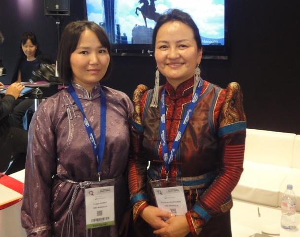 Sourire et sobriété sur le stand de Mongolie, premier du genre à Top Résa - Photo AP