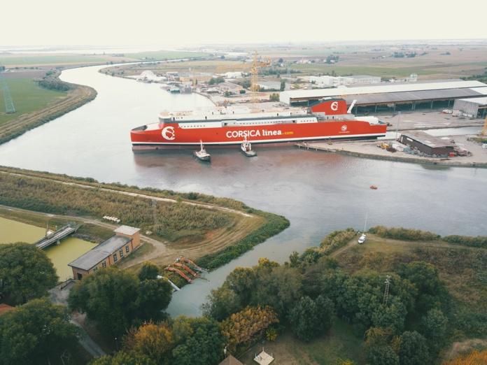 Une étape cruciale a été franchie avec la mise à l'eau du futur navire propulsé au GNL de Corsica Linea - DR : Corsica Linea